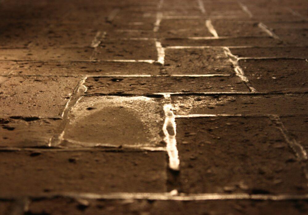 humedades-en-suelos-de-planta-baja