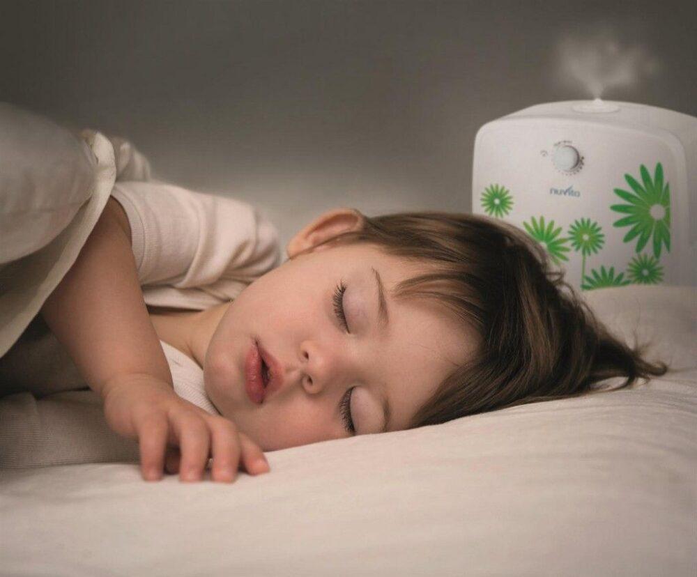 humedades-en-la-habitacion-de-un-bebe-peligroso