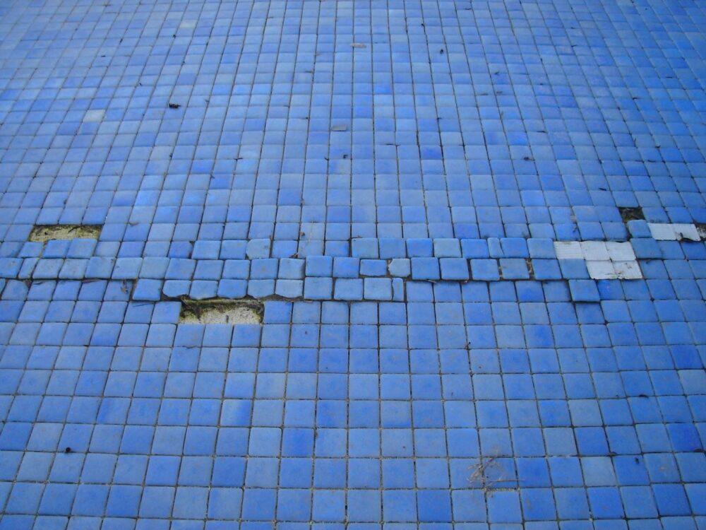 piscinas-con-filtraciones-como-solucionarlo