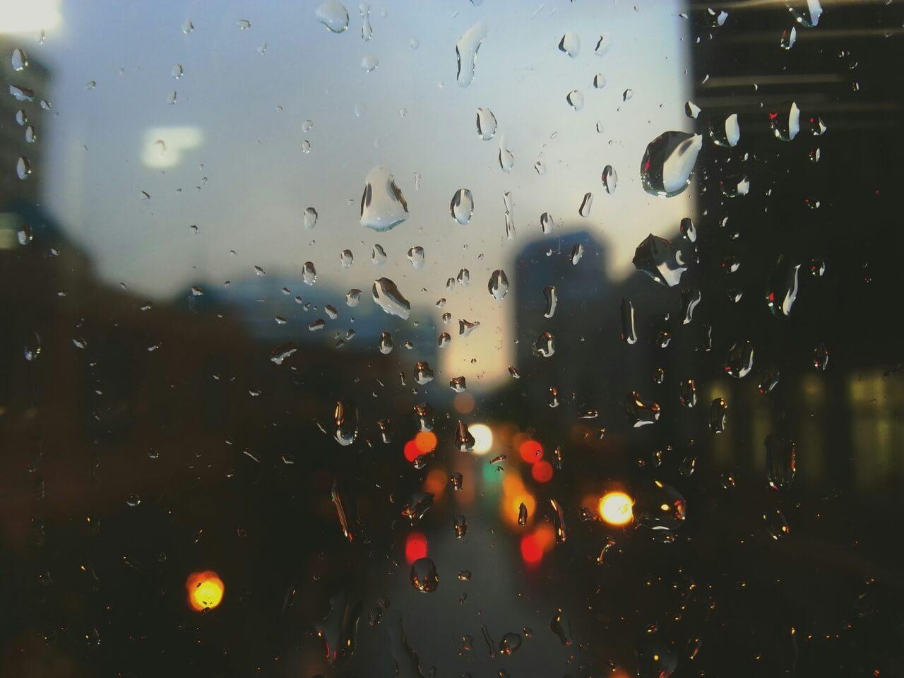 Abrir las ventanas soluciona la humedad